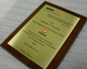 Dyplom grawerowany w mosiądzu szlifowanym