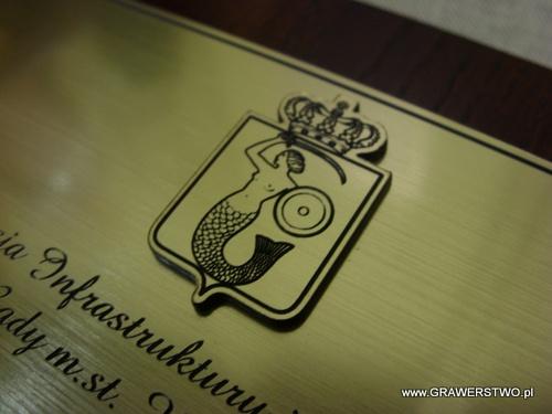 Nakładka na dyplom wykonana z laminatu metalizowanego na desce dębowej