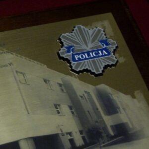 Dyplom grawerowany z laminatu metalizowanego z logotypem