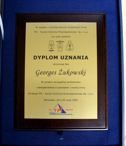 Dyplom uznania grawerowany w laminacie na podkladzie dębowym w etui