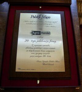 Dyplom grawerowany w lamincie metalizowanym na desce drewnianej w etui