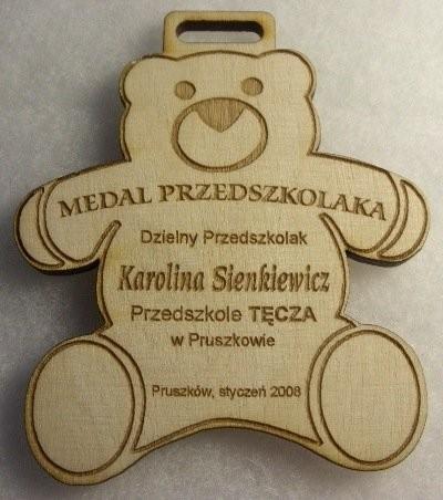 Medal przedszkolaka grawerowany laserem w skejce liściastej 4 mm