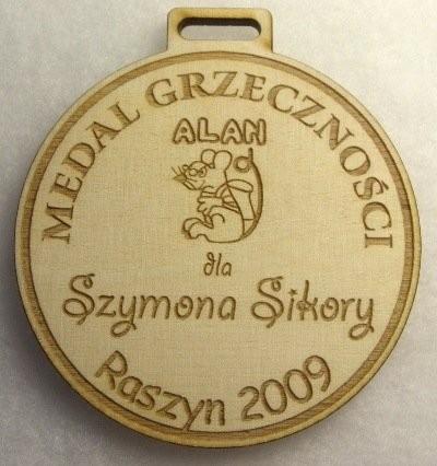 Medal grzeczności grawerowany laserem w sklejce liściastej 4 mm