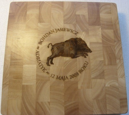 Deska kuchenna z grawerunkiem laserowym