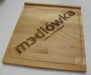 Deska kuchenna z logotypem grawerowanym laserowo