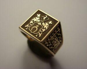Grawerunek laserowy  w złocie - herb