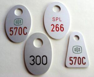 Grawerowane numerki do szatni - aluminium anodowane grawerunek napuszczony farbą