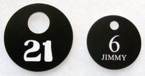 Numerki szatniowe grawerowane z laminatu grawerskiego LZ 901