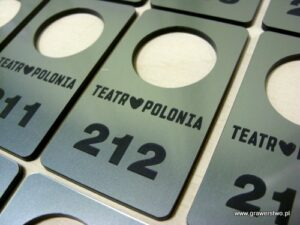 Numerki grawerowane z laminatu LZ 314
