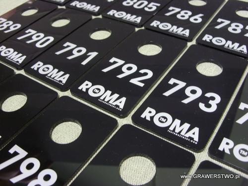 Numerki grawerowane - plexi czarne 3 mm
