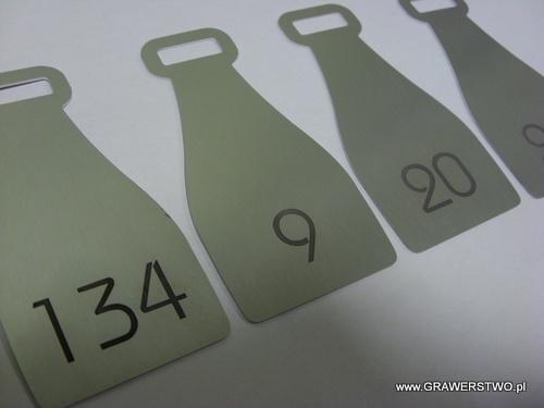 Numerki grawerowane - aluminium anodowane