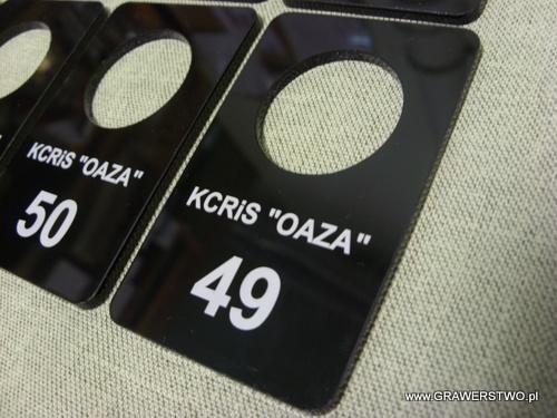 Numerki grawerowane - plexi czarna 3 mm