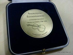 Medal mosiężny grawerowany laserowo w etui