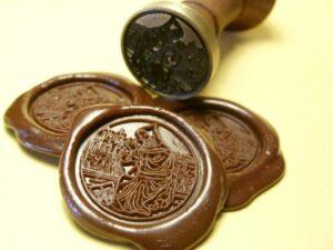 Przykład odcisków w laku wraz z pieczęcią lakową