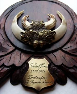 Tabliczka grawerowana na trofeum myśliwskie - mosiądz patynowany