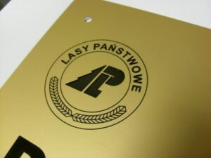 Szyld grawerowany w aluminium anodowanym - złoty mat