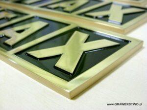 Szyldzki mosiężne grawerowane - napuszczane farbą lakierowane