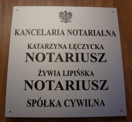 Szyld notarialny grawerowany  dla spółki cywilnej - materiał aluminium anodowane 3 mm o wymiarze 50x51 cm