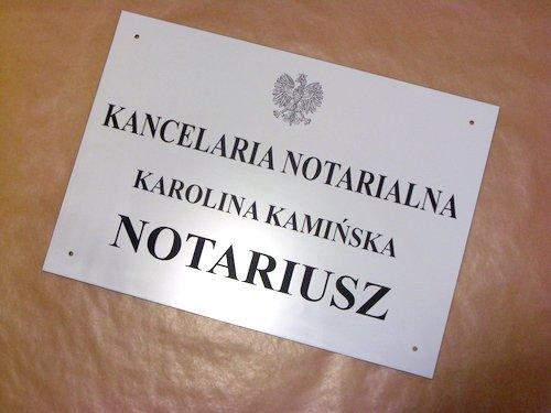 Szyld notarialny grawerowany - laminat grawerski biały o wymiarach 50x35 cm