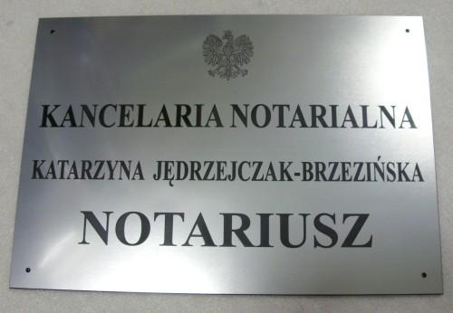 Grawerowany szyld notarialny - grawerunek w laminacie metalizowanym lzp 314 wymiartablicy 50x35 cm