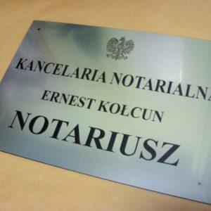 Tablica notarialna grawerowana o wymiarach 50x35 cm wykonana z laminatu