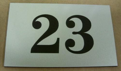 Tabliczka grawerowana wykonana z laminatu metalizowanego lz 993
