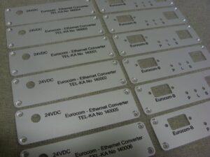 Tabliczki znamionowe grawerowane z aluminium