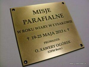 Tablica mosiężna grawerowana z okazji Misji Św.
